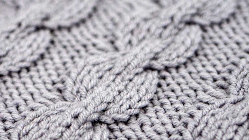 Detail of the Bulbus Cable Stitch Knitting Pattern